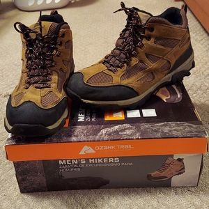 EUC brown Ozark Trail men's hiking boots with box